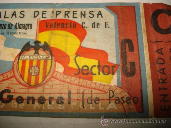 Coleccionismo deportivo: Antigua Entrada al Campo de MESTALLA . Galas de Prensa San Lorenzo de Almagro - Valencia Año 1947 - Foto 2 - 28666483