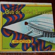 Coleccionismo deportivo: RARISIMA ENTRADA DE FUTBOL CLUB BARCELONA, SOCIO, MUY ANTIGUA, MIDE 9 X 9 CMS.. Lote 29987985