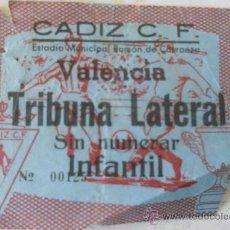 Coleccionismo deportivo: ENTRADA FUTBOL CADIZ VALENCIA. Lote 33619297