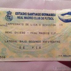 Coleccionismo deportivo: ANTIGUA ENTRADA TICKET REAL MADRID OVIEDO ESTADIO SANTIAGO BERNABEU. Lote 40960091