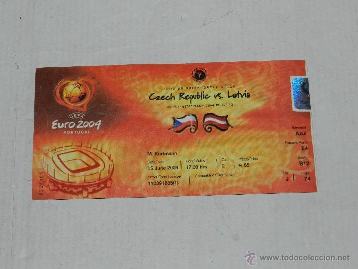 ENTRADA EUROCOPA PORTUGAL EURO 2004 - REPUBLICA CHECA - DINAMARCA , SEÑALES DE USO (Coleccionismo Deportivo - Documentos de Deportes - Entradas de Fútbol)