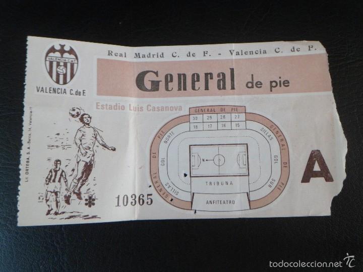 ENTRADA DE FUTBOL DEL ESTADIO LUIS CASANOVA, REAL MADRID / VALENCIA (Coleccionismo Deportivo - Documentos de Deportes - Entradas de Fútbol)