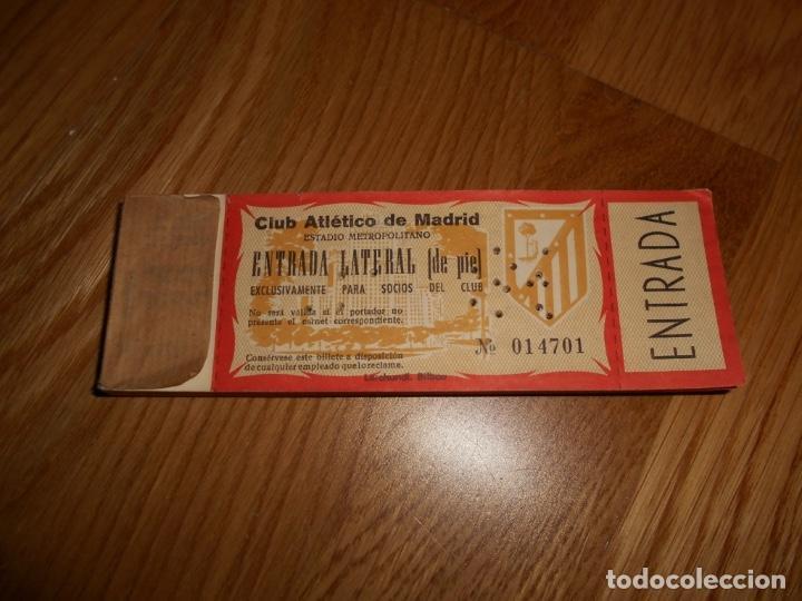 TACO 100 ENTRADAS SEGUIDAS FÚTBOL CLUB ATLÉTICO DE MADRID CAMPO METROPOLITANO SOCIO LATERAL DE PIE (Coleccionismo Deportivo - Documentos de Deportes - Entradas de Fútbol)
