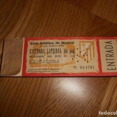 Coleccionismo deportivo: TACO 100 ENTRADAS SEGUIDAS FÚTBOL CLUB ATLÉTICO DE MADRID CAMPO METROPOLITANO SOCIO LATERAL DE PIE. Lote 62563308