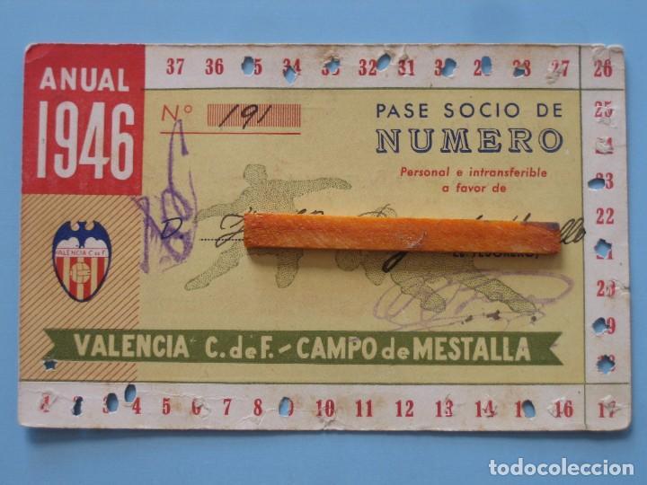 ENTRADA CAMPO MESTALLA 1946 PASE ANUAL VALENCIA C.F. (Coleccionismo Deportivo - Documentos de Deportes - Entradas de Fútbol)