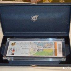 Coleccionismo deportivo: FINAL COPA S.M. EL REY 2001 - ENTRADA ENMARCADA EN METACRILATO Y ESTUCHE - ACEPTO OFERTAS. Lote 104907215