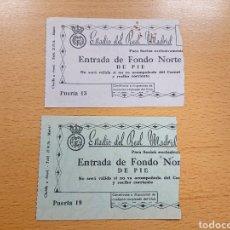 Coleccionismo deportivo: LOTE DE 2 ENTRADAS ESTADIO DEL REAL MADRID DE FÚTBOL FONDO NORTE DE PIE AÑOS 50. Lote 161850501