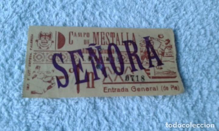 ENTRADA CAMPO MESTALLA 1961 ALBACETE BALOMPIE -MESTALLA (Coleccionismo Deportivo - Documentos de Deportes - Entradas de Fútbol)