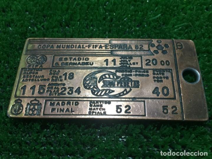 WORLD CUP SPAIN 1982 MEDAL TICKET ENTRADA FINAL (Coleccionismo Deportivo - Documentos de Deportes - Entradas de Fútbol)