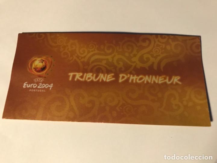Coleccionismo deportivo: Entrada Tribuna de Honor Euro 2004 Portugal. Denmark vs Italy. Con acreditación. Sin usar - Foto 2 - 197860013