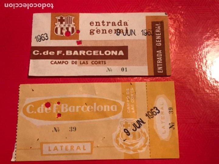 DOS ENTRADAS DEL CLUB DE FÚTBOL BARCELONA 1963 CAMPO DE LAS CORTS. (Coleccionismo Deportivo - Documentos de Deportes - Entradas de Fútbol)