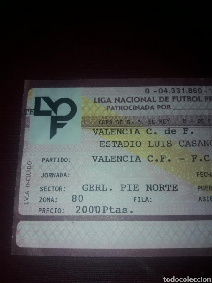 Coleccionismo deportivo: Entrada Futbol Valencia Cf- Fc Barcelona 9/01/92 (8 de final Copa del Rey) - Foto 2 - 210940494