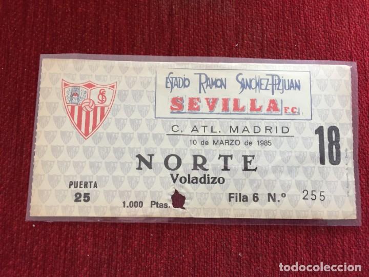 R12586 ENTRADA TICKET FUTBOL SEVILLA ATLETICO MADRID LIGA TEMPORADA 1984 1985 (Coleccionismo Deportivo - Documentos de Deportes - Entradas de Fútbol)