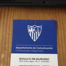 Coleccionismo deportivo: R15550 ENTRADA ACREDITACION SEVILLA SALZBURGO UEFA YOUTH LEAGUE 2021 2022. Lote 294171968