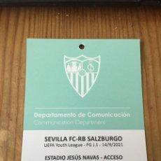 Coleccionismo deportivo: R15551 ENTRADA ACREDITACION SEVILLA SALZBURGO UEFA YOUTH LEAGUE 2021 2022. Lote 294172128