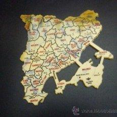 Scrivania: BOLSA DE TRES PLANTILLAS - MAPAS DE CATALUÑA - DFH - POLITICO - FISICO - HIDROGRAFICO - SIN USAR . Lote 165297940