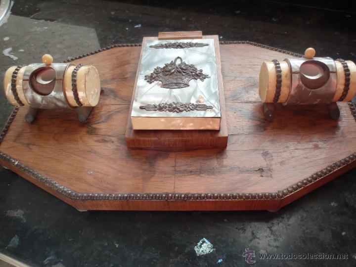 Escribanía: Escribania en madera tinteros en cerámica con plumillas y mangos - Foto 2 - 40302876