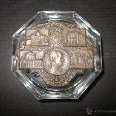 Escribanía: PISAPAPELES - RECUERDO DE ROMA - CON EL PAPA PIO XII - (V- 1315). Lote 45851903