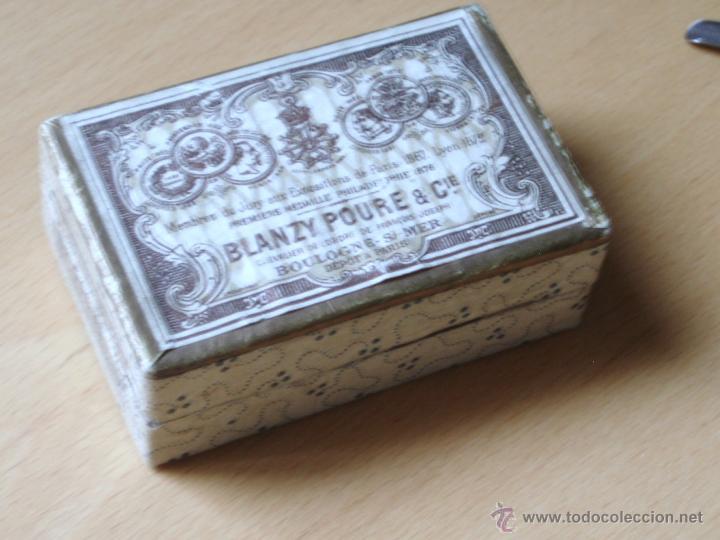 Escribanía: Caja de Cartón marca BLANZY POURE & Cie contiene plumillas - Foto 2 - 48780066