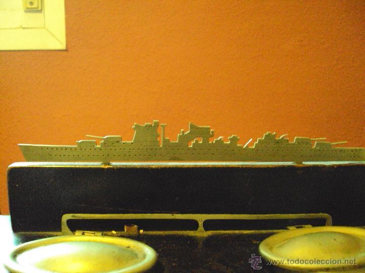 Escribanía: tintero de base de madera , con dos tinteros metalicos y coronado con motivo de barco - Foto 2 - 48930831