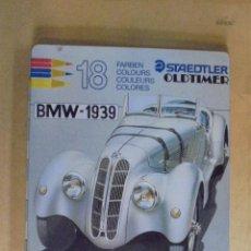 Escribanía: CAJA METALICA CON 18 LAPICES DE COLORES STAEDTLER - SERIE OLTIMER BMW 1939 - JAMAS USADOS. Lote 177041502
