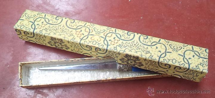 Escribanía: Abrecartas antiguo,precioso,buen estado,en caja original,es el de las fotos - Foto 3 - 51351665