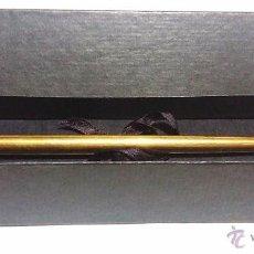Escribanía: PORTAPLUMAS PLUMA TOTALMENTE EN BRONCE EN SU ESTUCHE ORIGINAL- S.XX. Lote 57254104