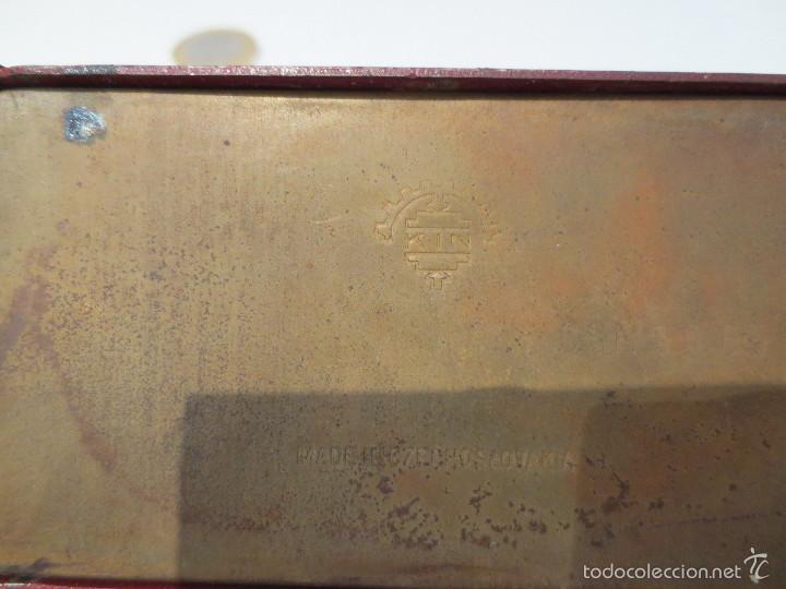 Escribanía: ANTIGUA TROQUELADORA DE PAPEL - MARCA KIN - MADE IN CHECOSLOVAKIA. - Foto 2 - 56651887