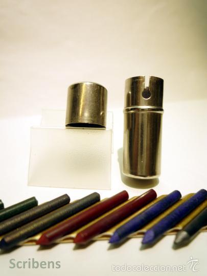 ANTIGUO TUBO PORTAMINAS METÁLICO CON 10 MINAS COLORES 2 MM. X 20 MM. (Plumas Estilográficas, Bolígrafos y Plumillas - Plumillas y Otros Elementos de Escribanía)