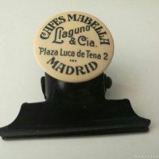 Escribanía: CAFÉS MABELLA LLANGUNO MADRID ANTIGUA PINZA PAPELES. Lote 58936792