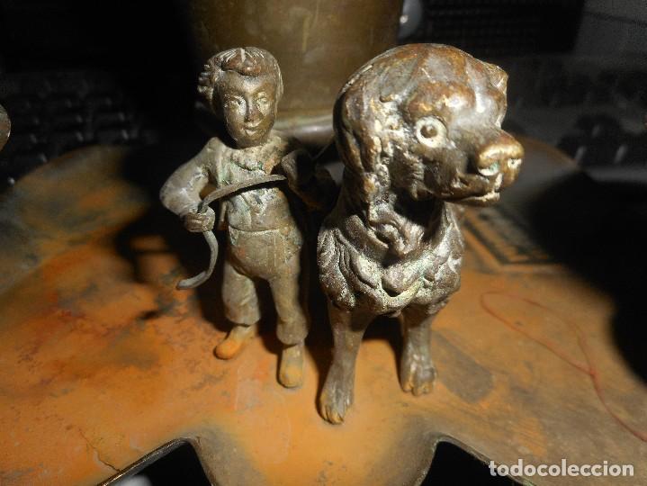 Escribanía: antigua escribania ,porta pluma tintero con con pequeña escultura supongo todo bronce - Foto 5 - 62749252