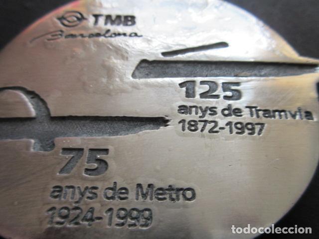 Escribanía: PISA PAPEL CONMEMORATIVO 125 AÑOS DEL TRANVIA EN BARCELONA Y 75 AÑOS METRO - FERROCARRIL AUTOBUS - Foto 2 - 73541243