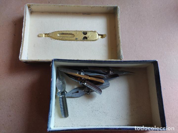 Escribanía: CAJA DE PLUMILLAS PERRY & CO, INDET PEN , CONTIENE ALGUNAS PLUMILLAS - Foto 2 - 76843931