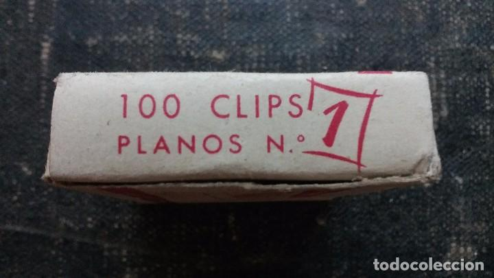 Escribanía: Antigua caja de Clips Marca Astola. Planos y Niquelados N° 1 - Foto 2 - 103735515