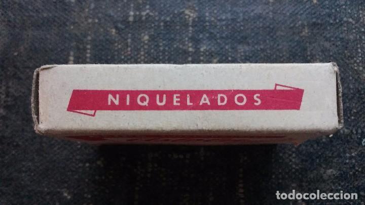Escribanía: Antigua caja de Clips Marca Astola. Planos y Niquelados N° 1 - Foto 3 - 103735515