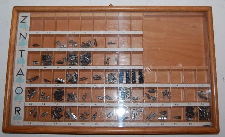 ANTIGUO EXPOSITOR DE PLUMILLAS (Plumas Estilográficas, Bolígrafos y Plumillas - Plumillas y Otros Elementos de Escribanía)