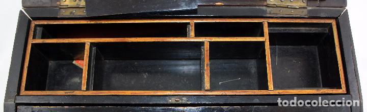 Escribanía: BONITA ESCRIBANIA DE SOBREMESA EN MADERA DE RAICES Y INTERIOR LACADO. CIRCA 1900 - Foto 11 - 104345255
