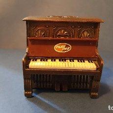 Escribanía: SACAPUNTAS PIANO PLAYME. Lote 108713587