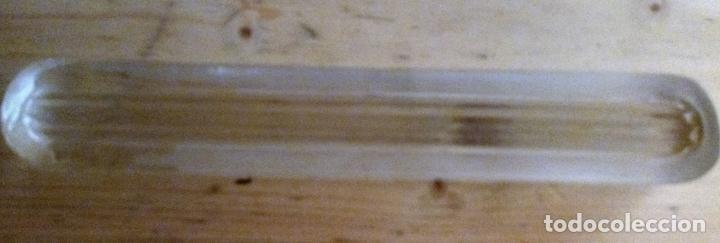 Escribanía: PISAPAPELES DE CRISTAL - 21.5 x 3.5 x 2 CMS - Foto 3 - 129426011