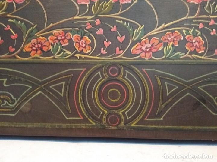 Escribanía: Precioso portafolio art nouveau en piel con escena pintada al oleo - Foto 12 - 134329858