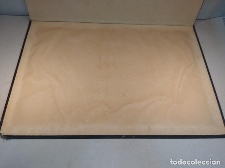 Escribanía: Precioso portafolio art nouveau en piel con escena pintada al oleo - Foto 25 - 134329858