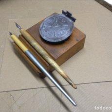 Escribanía: TINTERO CON BASE DE MADERA, CRISTAL Y CHAPA METALICA. Lote 134545075