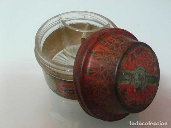 Escribanía: Magnífico tarro de cola Carters ,vidrio y tapón de hojalata litografiado, USA. 1920 - Foto 2 - 139627690