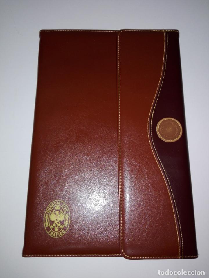 Escribanía: carpeta-portafolios-guardia civíl-pienso que es polipiel-nueva-ve fotos - Foto 2 - 151441458