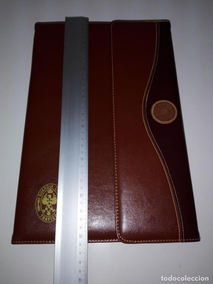Escribanía: carpeta-portafolios-guardia civíl-pienso que es polipiel-nueva-ve fotos - Foto 5 - 151441458