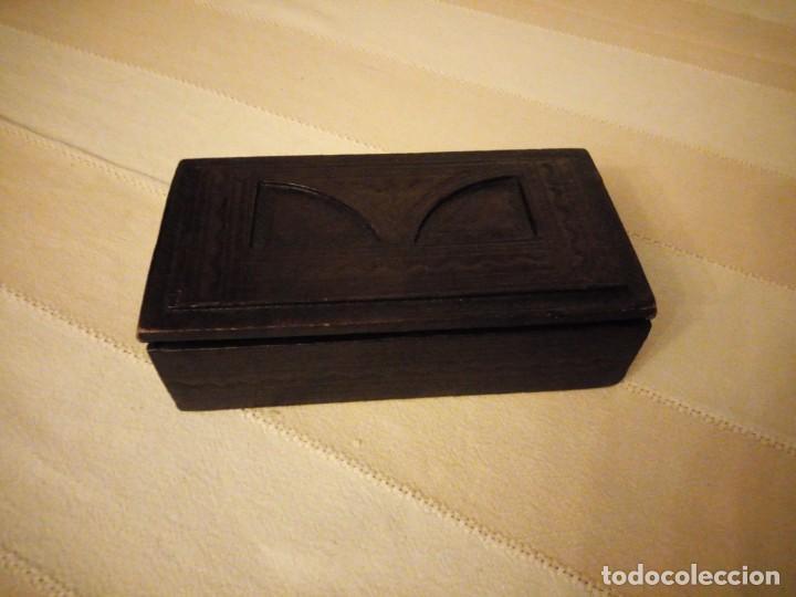 Escribanía: Antiguo juego de caja y pisador de sellos para escribania ,madera forrado con cuero.siglo xx - Foto 7 - 151645774