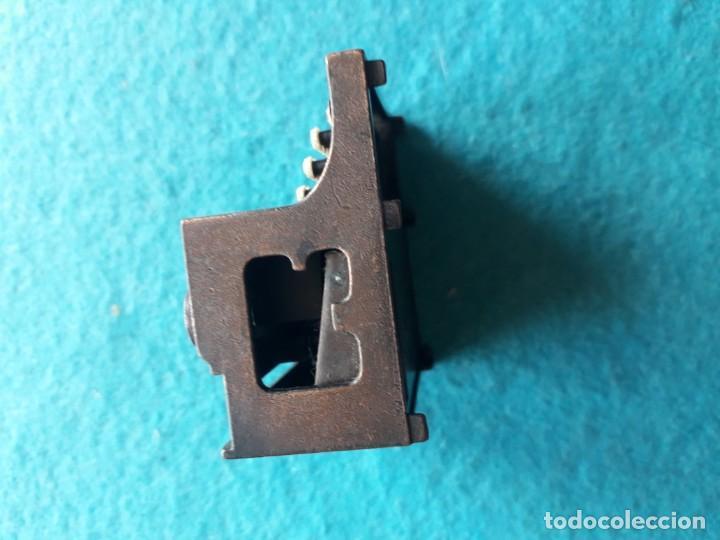 Escribanía: Antiguo afila - lapices con forma de máquina de escribir. Marca Playme. - Foto 4 - 158383818