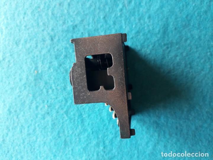 Escribanía: Antiguo afila - lapices con forma de máquina de escribir. Marca Playme. - Foto 5 - 158383818
