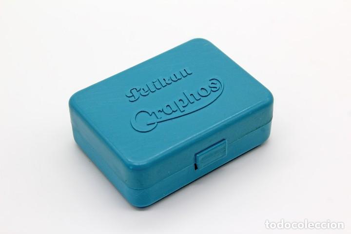 Escribanía: Pequeña caja de plástico Pelikan Graphos con 5 plumillas antiguas (0,3 0,5 y 0,8). Color celeste. - Foto 8 - 168585652