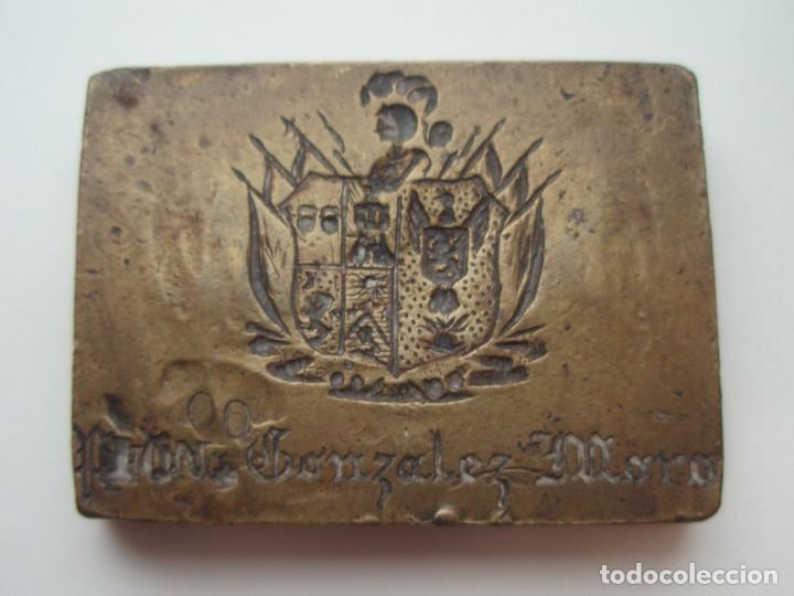 Escribanía: 2 SELLOS DE LACRE. SIGLO XIX. DESPACHO DE D. LUIS GONZÁLEZ-MORO Y MENCHIRÓN. YECLA, MURCIA. - Foto 3 - 172601649